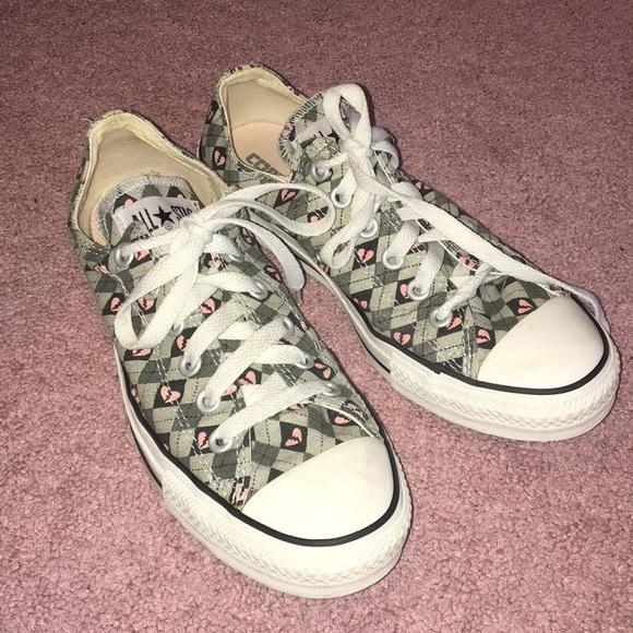 6c4da374193f88 Converse Shoes - Converse (Size 8) Heartbreak Sneakers